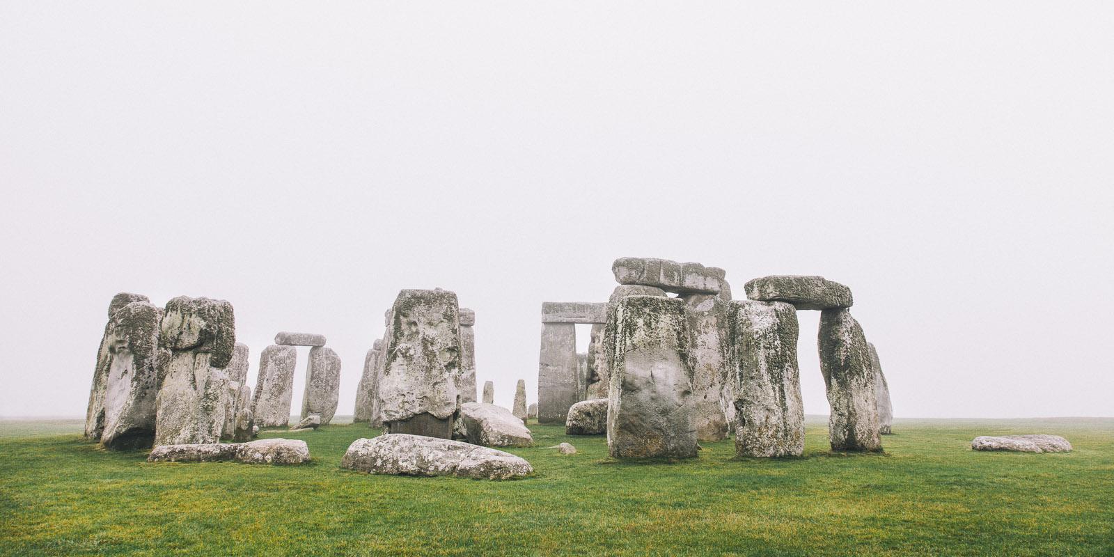 stonehenge fog 2