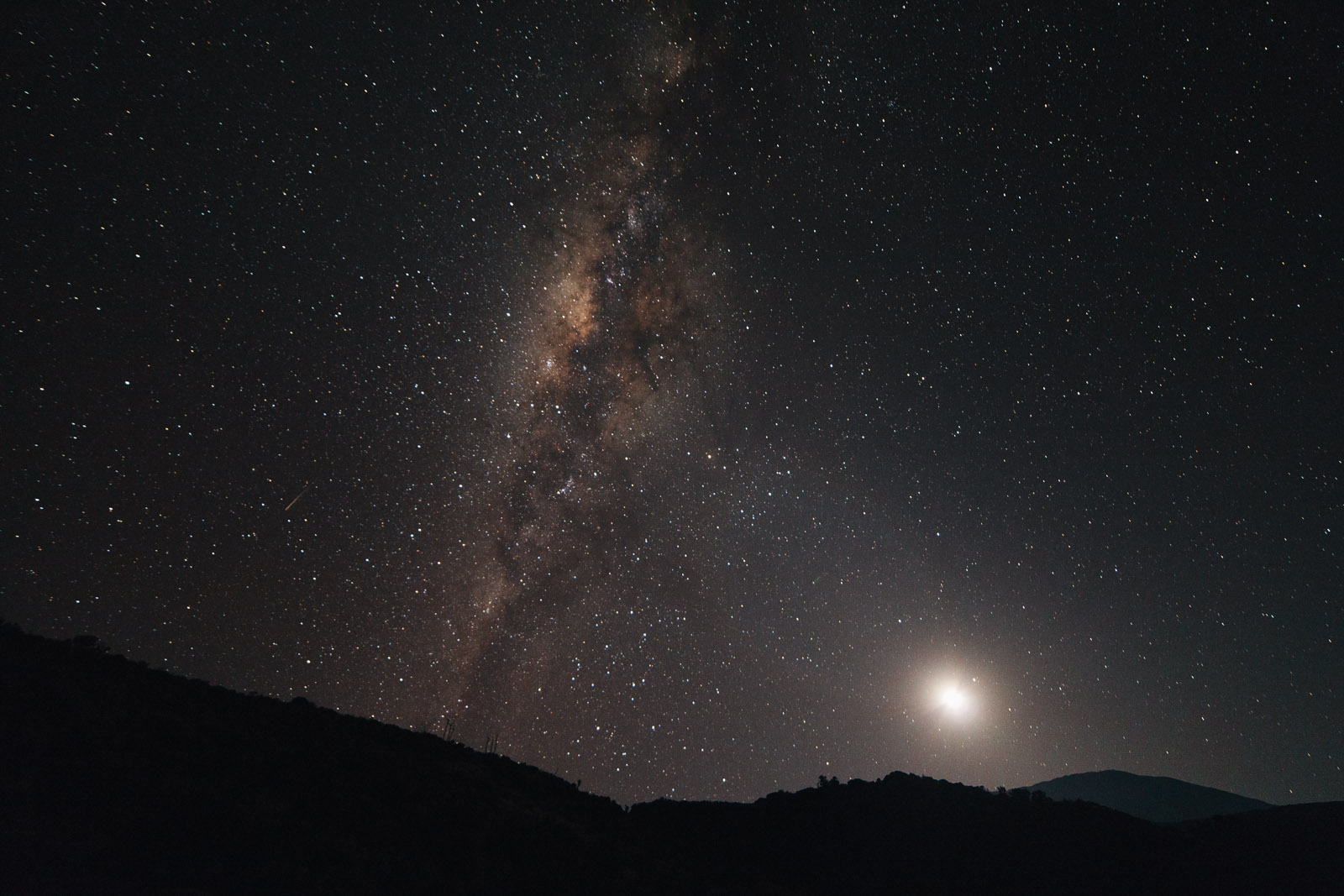 kilimanjaro milky way moon